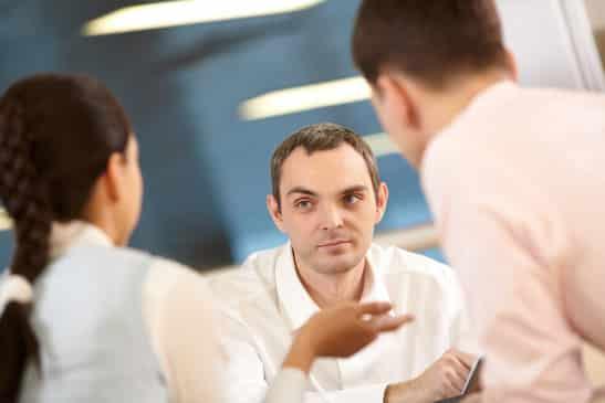 Cómo recuperar tu buena vibra y actitud después de una discusión